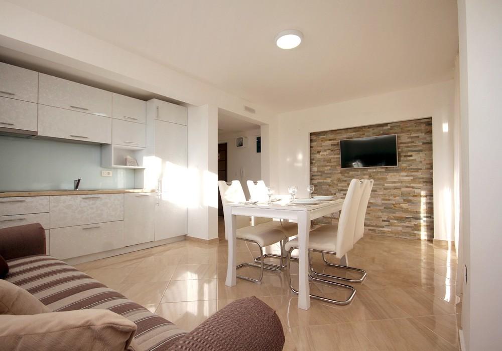 Сдаётся 2-комнатная квартира 76.0 кв.м.  за 40 EUR