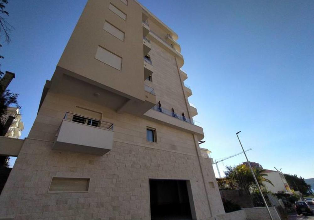 Продаётся 3-комнатная квартира 110.0 кв.м.  за 275 000 EUR