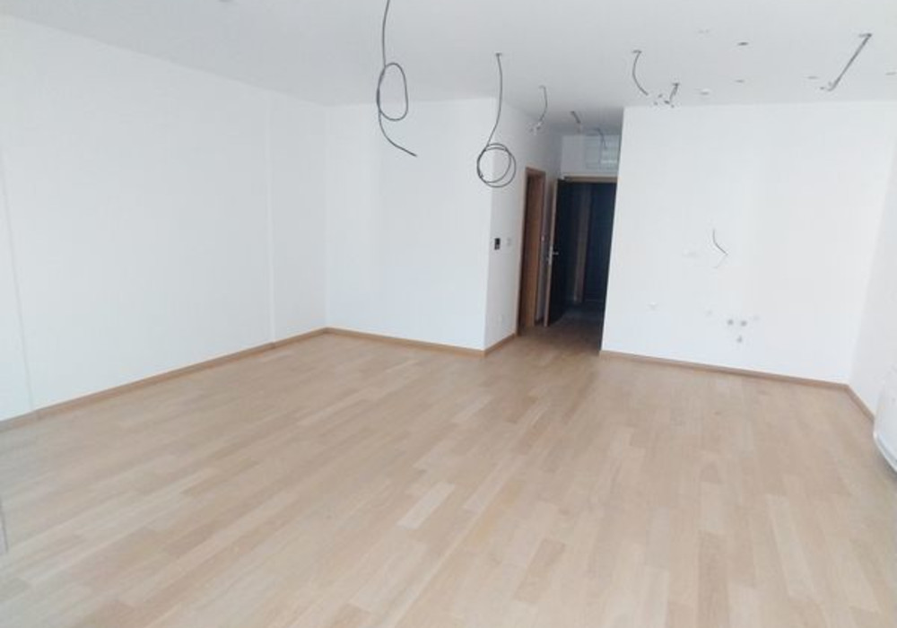 Продаётся  квартира 56.0 кв.м.  за 168 000 EUR