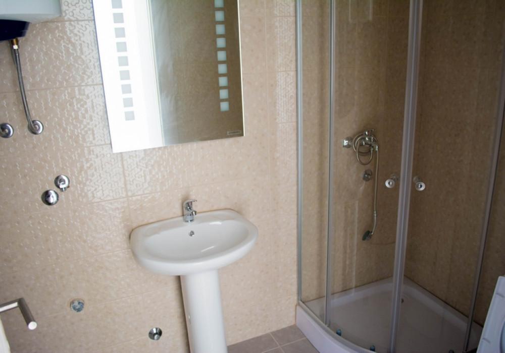 Продаётся 2-комнатная квартира 67.0 кв.м.  за 107 200 EUR