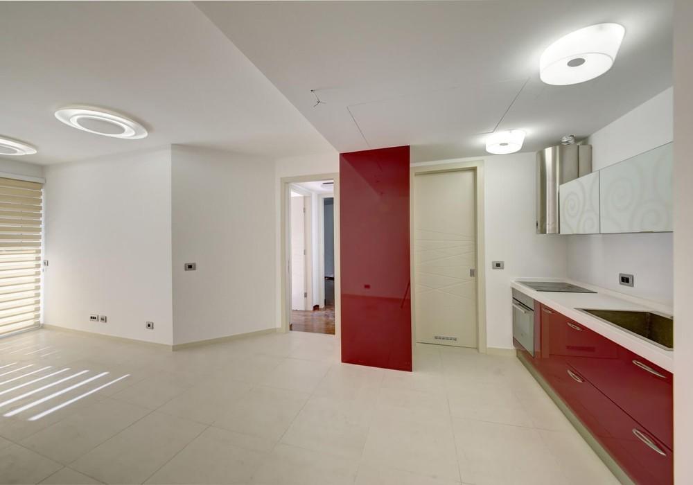 Продаётся 2-комнатная квартира 95.0 кв.м.  за 350 000 EUR