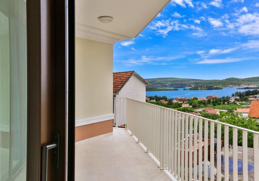 Продаётся 3-комнатная  199.0 кв.м.  за 680 000 EUR