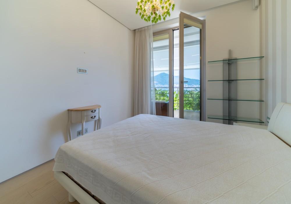 Продаётся 2-комнатная квартира 125.0 кв.м.  за 1 060 000 EUR