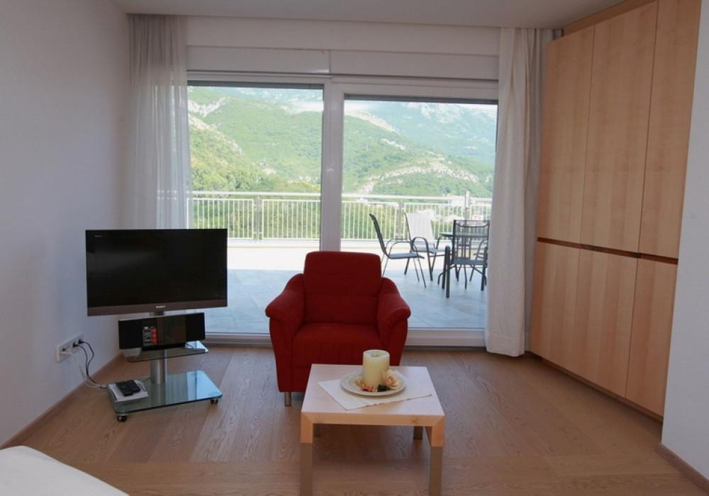 Продаётся 3-комнатная квартира 283.0 кв.м.  за 430 000 EUR