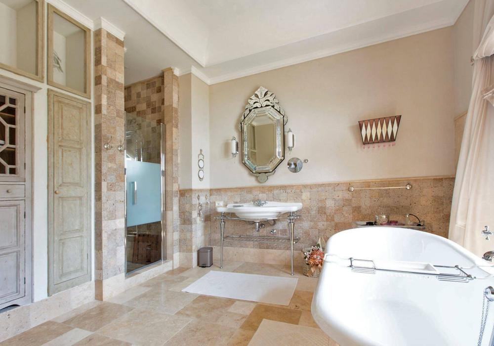 Продаётся 5-комнатная  500.0 кв.м.  за 2 700 000 EUR