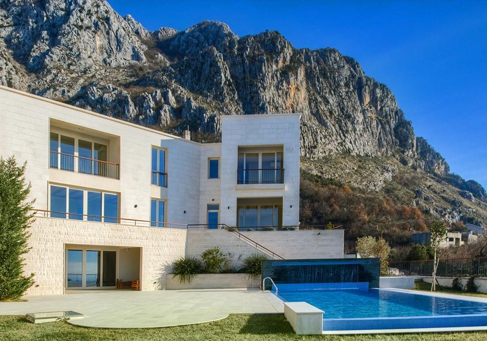 Продаётся  дом 600.0 кв.м.  за 2 290 000 EUR
