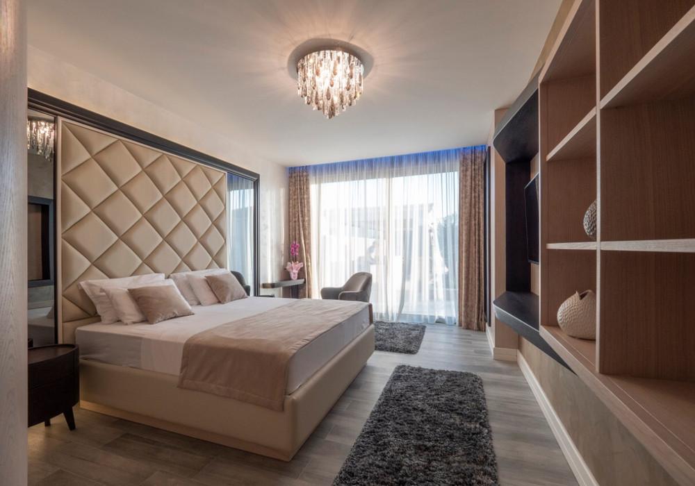 Продаётся 3-комнатная  200.0 кв.м.  за 500 000 EUR