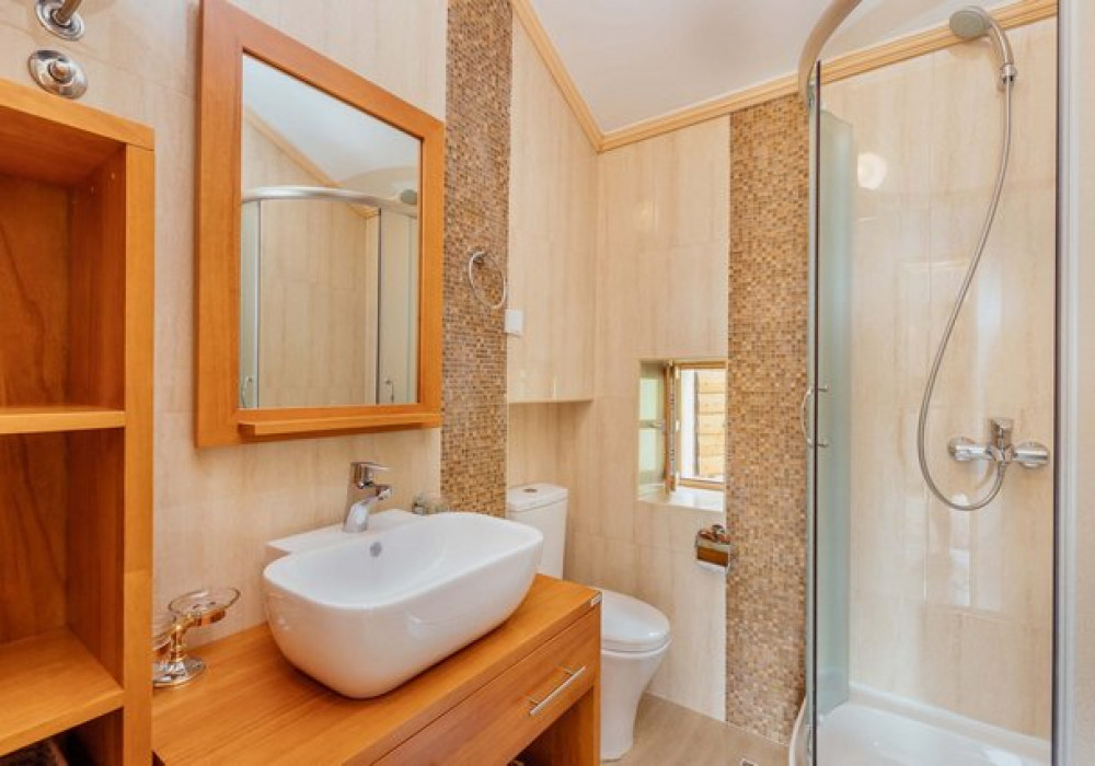 Продаётся 5-комнатная  200.0 кв.м.  за 590 000 EUR