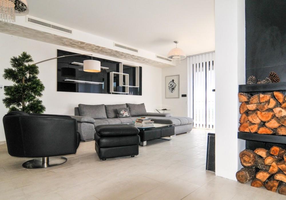 Продаётся 5-комнатная  390.0 кв.м.  за 1 200 000 EUR