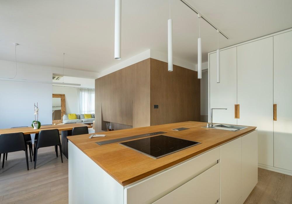Продаётся 2-комнатная квартира 138.0 кв.м.  за 450 000 EUR