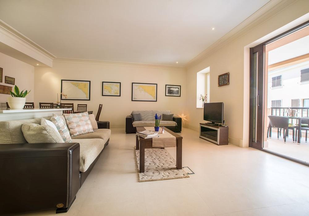 Продаётся 3-комнатная квартира 201.0 кв.м.  за 1 290 000 EUR