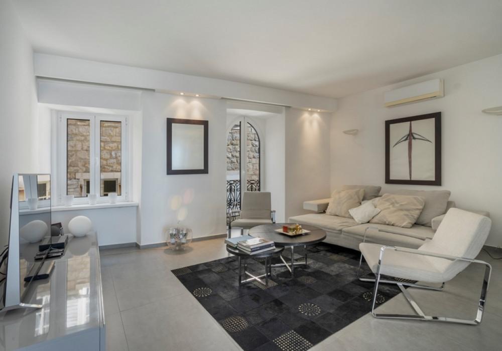 Продаётся  квартира 72.0 кв.м.  за 450 000 EUR
