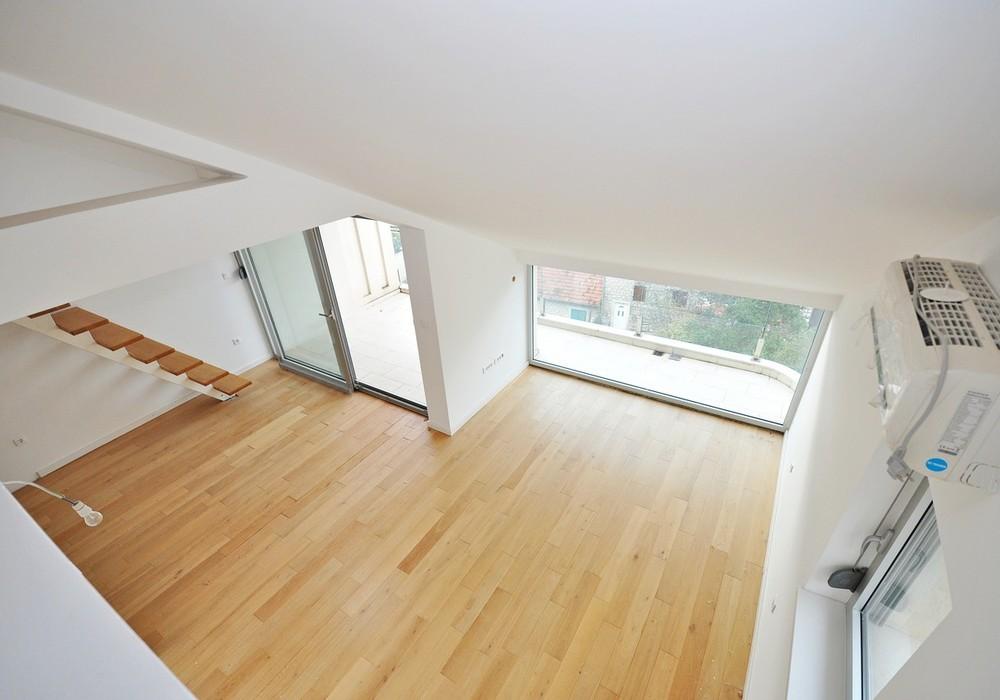 Продаётся 3-комнатная квартира 76.0 кв.м.  за 199 000 EUR