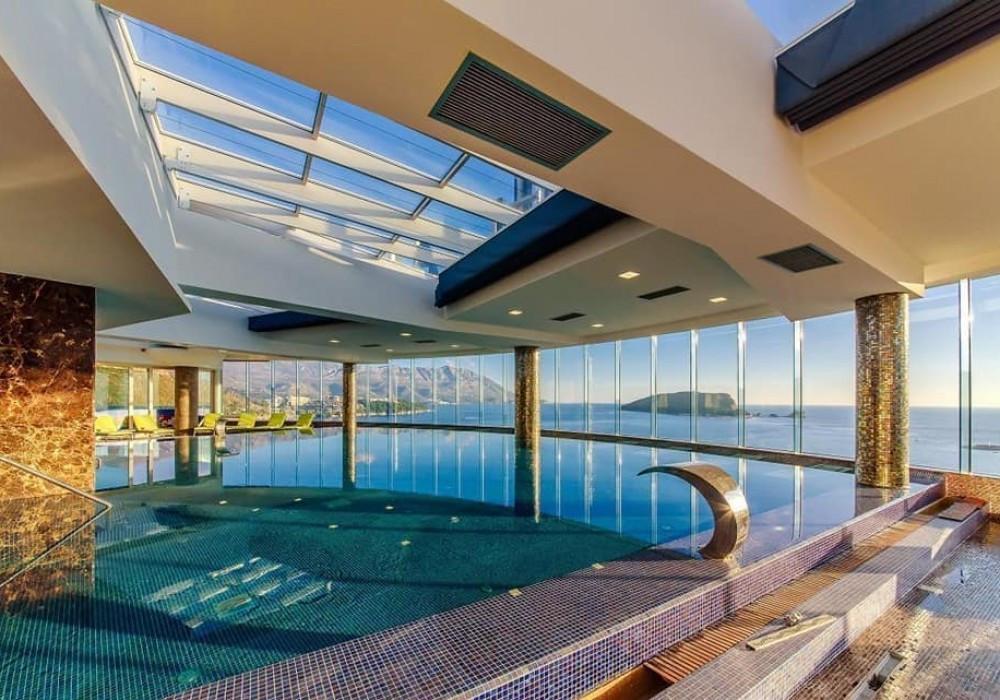 Продаётся 3-комнатная квартира 183.0 кв.м.  за 1 006 500 EUR