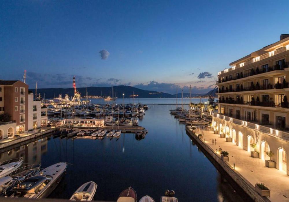 Продаётся 2-комнатная квартира 135.0 кв.м.  за 990 000 EUR