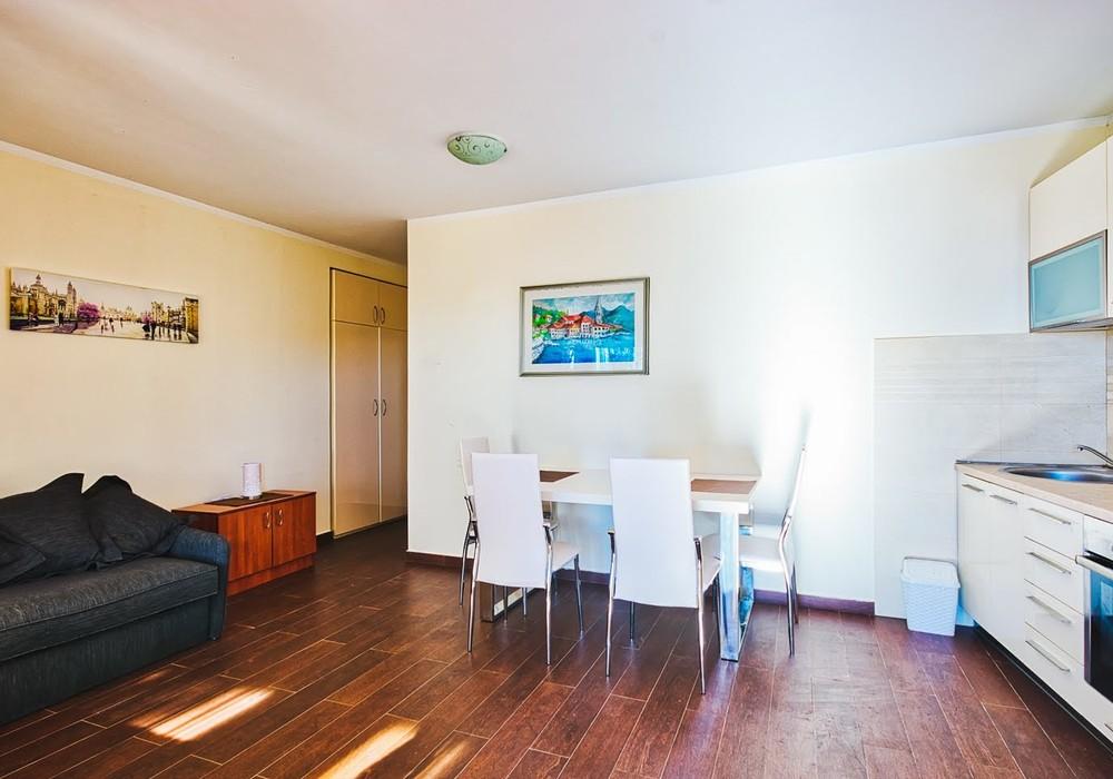 Продаётся  квартира 38.0 кв.м.  за 59 000 EUR