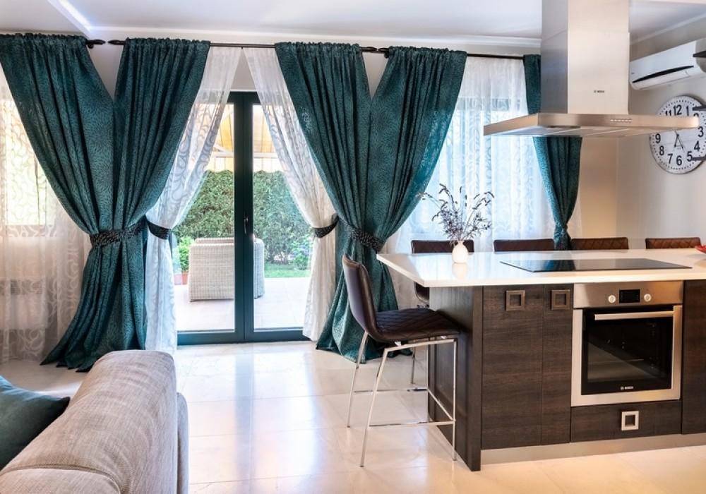 Продаётся 3-комнатная таунхаус 176.0 кв.м.  за 270 000 EUR