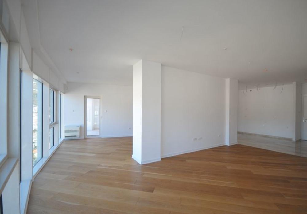 Продаётся 2-комнатная квартира 127.0 кв.м.  за 635 000 EUR