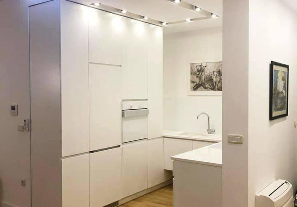 Сдаётся 2-комнатная квартира 108.0 кв.м.  за 1 350 EUR