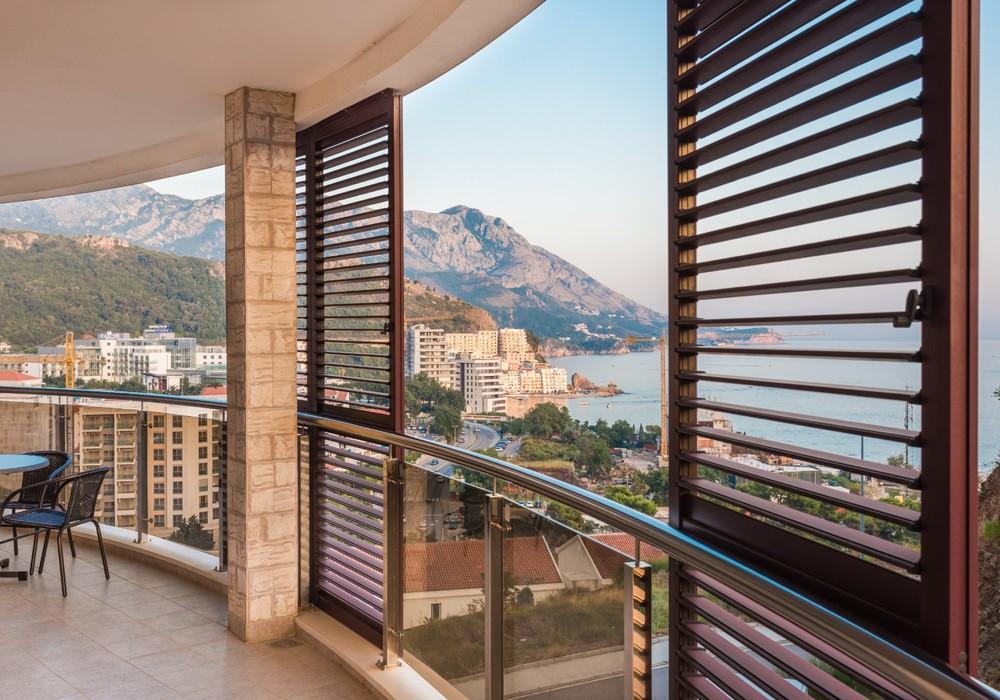 Продаётся 2-комнатная квартира 130.0 кв.м.  за 273 000 EUR