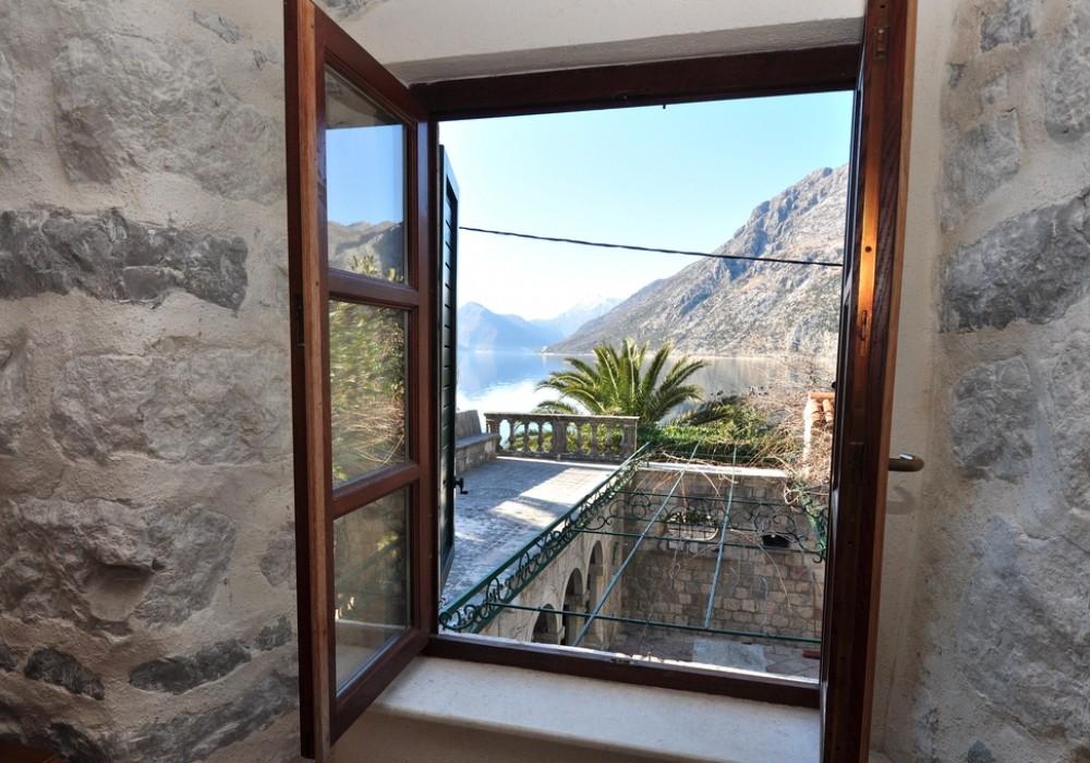 Продаётся 6-комнатная  235.0 кв.м.  за 1 500 000 EUR