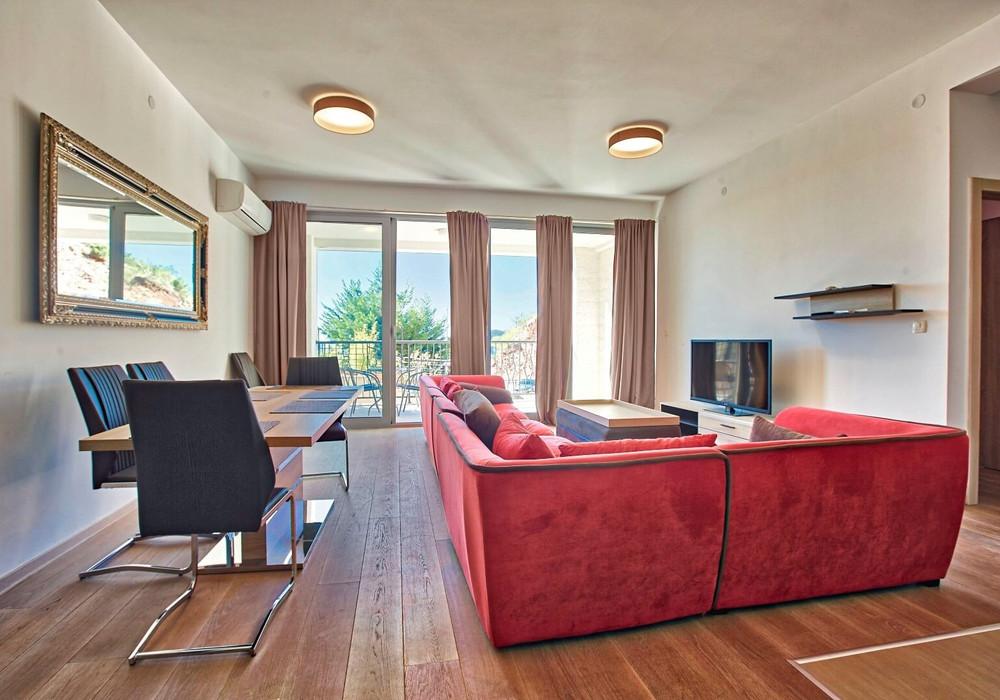 Продаётся 2-комнатная квартира 92.0 кв.м.  за 230 000 EUR