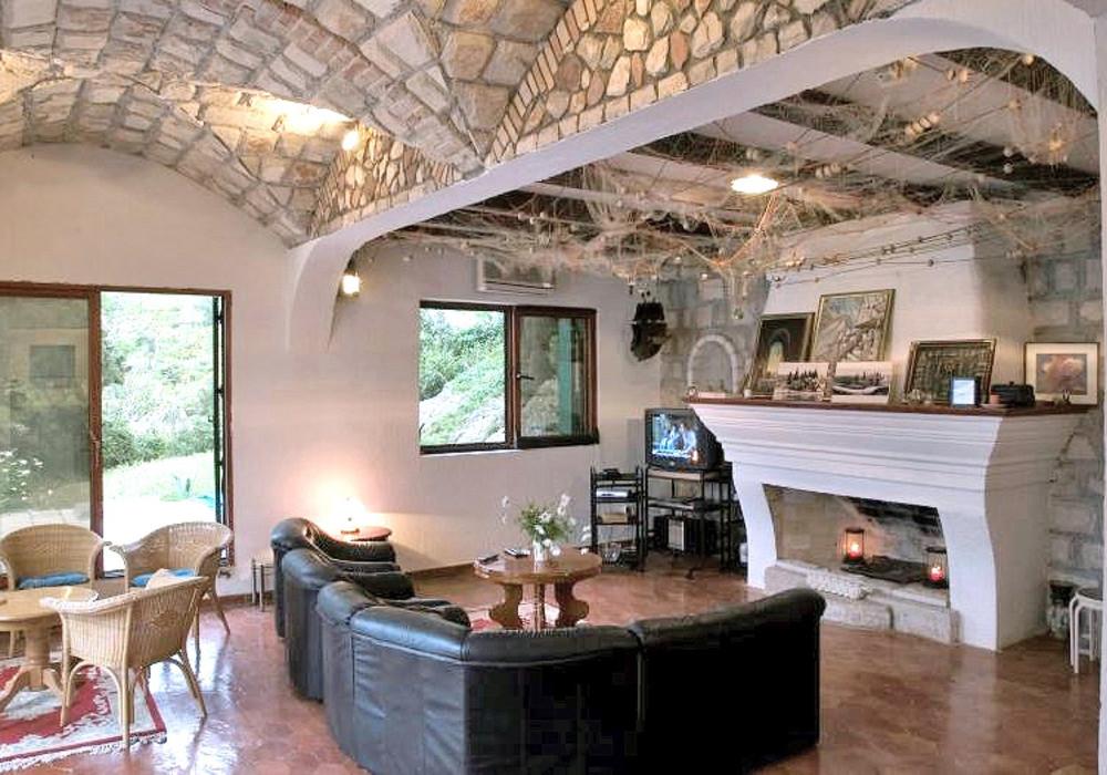 Продаётся 4-комнатная  350.0 кв.м.  за 1 200 000 EUR