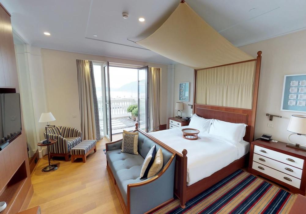 Продаётся 2-комнатная квартира 208.0 кв.м.  за 2 150 000 EUR