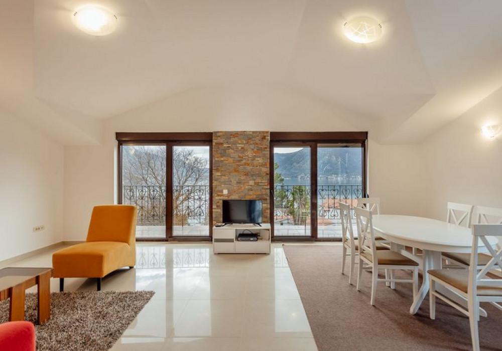Продаётся 2-комнатная квартира 79.0 кв.м.  за 180 000 EUR