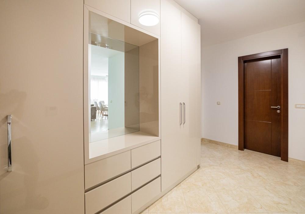 Продаётся  квартира 94.0 кв.м.  за 145 606 EUR