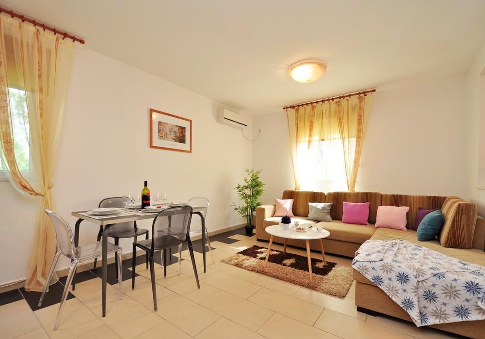 Продаётся 2-комнатная  95.0 кв.м.  за 350 000 EUR