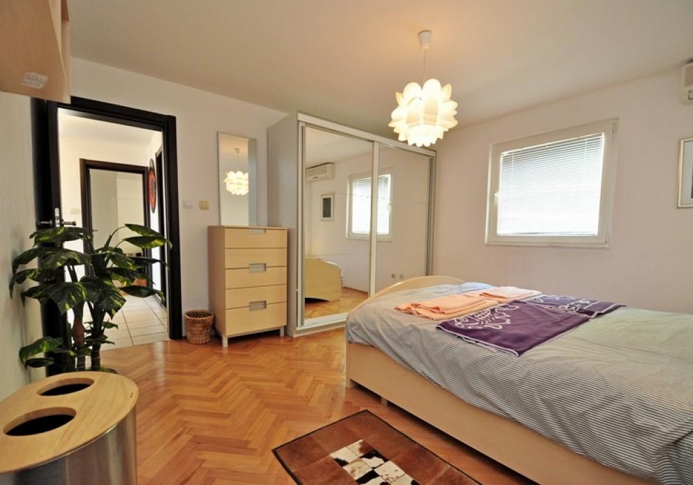 Продаётся 6-комнатная  350.0 кв.м.  за 630 000 EUR