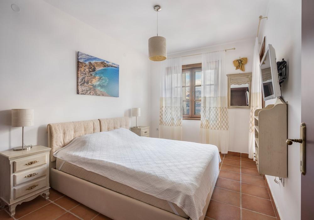 Продаётся 2-комнатная квартира 61.0 кв.м.  за 183 000 EUR
