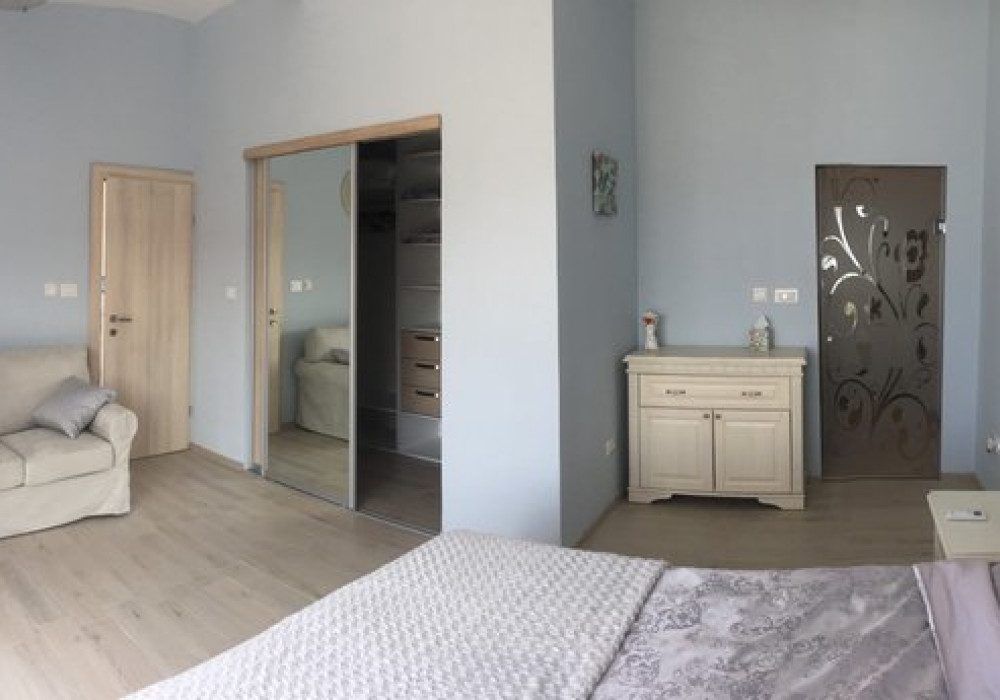 Продаётся 5-комнатная  497.0 кв.м.  за 1 250 000 EUR