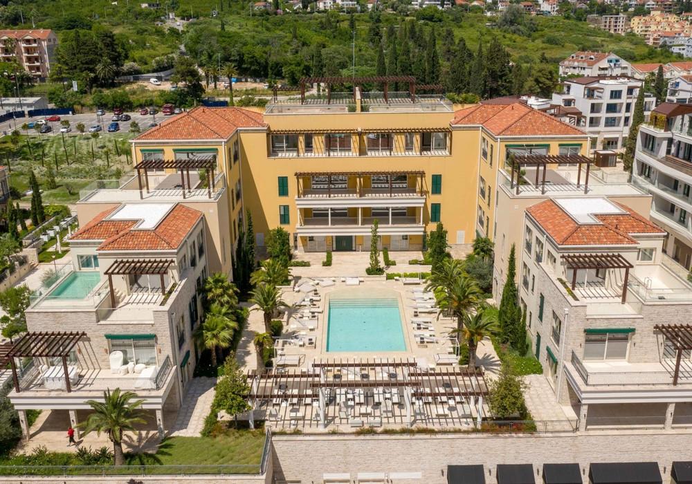 Продаётся 4-комнатная квартира 258.0 кв.м.  за 2 825 000 EUR