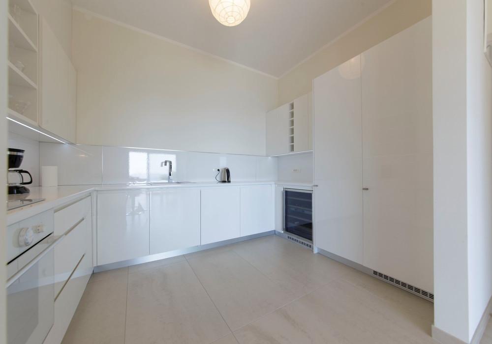 Продаётся 2-комнатная квартира 150.0 кв.м.  за 325 000 EUR