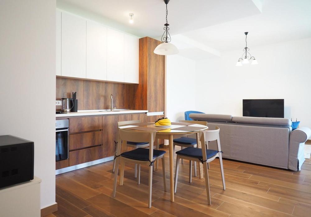 Сдаётся 2-комнатная квартира 83.0 кв.м.  за 800 EUR