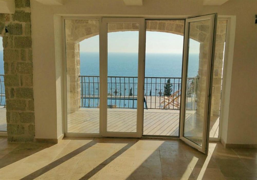 Продаётся 5-комнатная  500.0 кв.м.  за 1 200 000 EUR