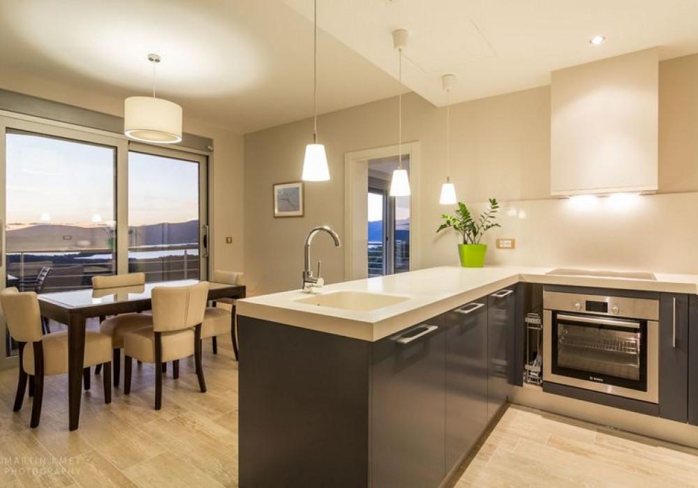 Продаётся 3-комнатная квартира 92.0 кв.м.  за 275 000 EUR