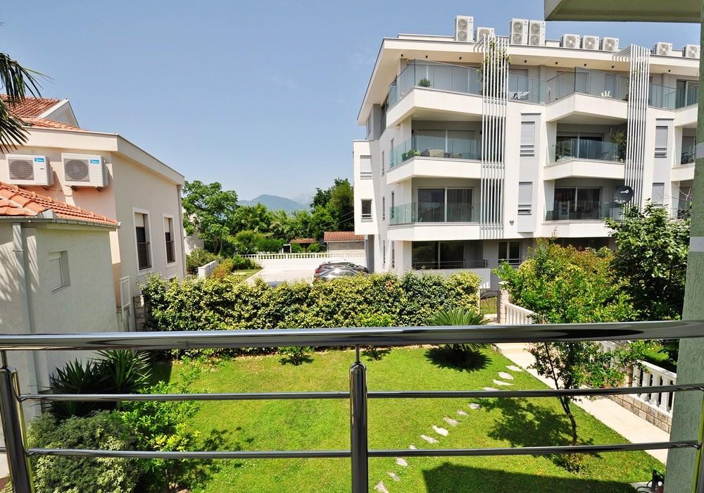 Продаётся 4-комнатная  222.0 кв.м.  за 770 000 EUR