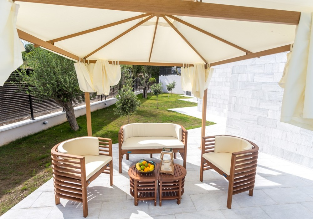 Продаётся 5-комнатная  350.0 кв.м.  за 1 300 000 EUR