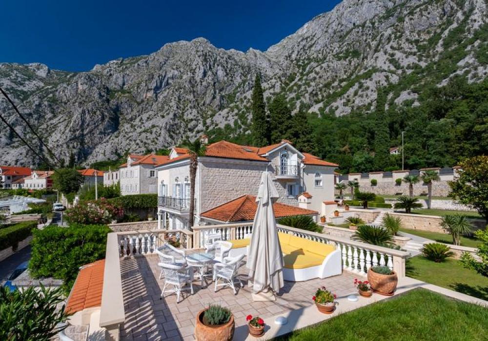 Продаётся  квартира со свободной планировкой 530.0 кв.м.  за 3 800 000 EUR